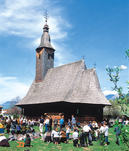 Wooden Churches - Poienile de sub Munte